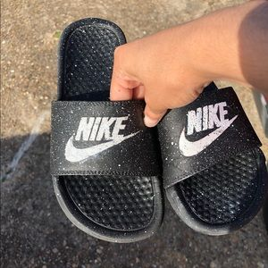 CUSTOM SPECKLED NIKE SLIDES